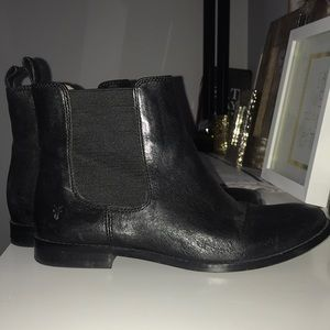 Frye black leather booties size 7